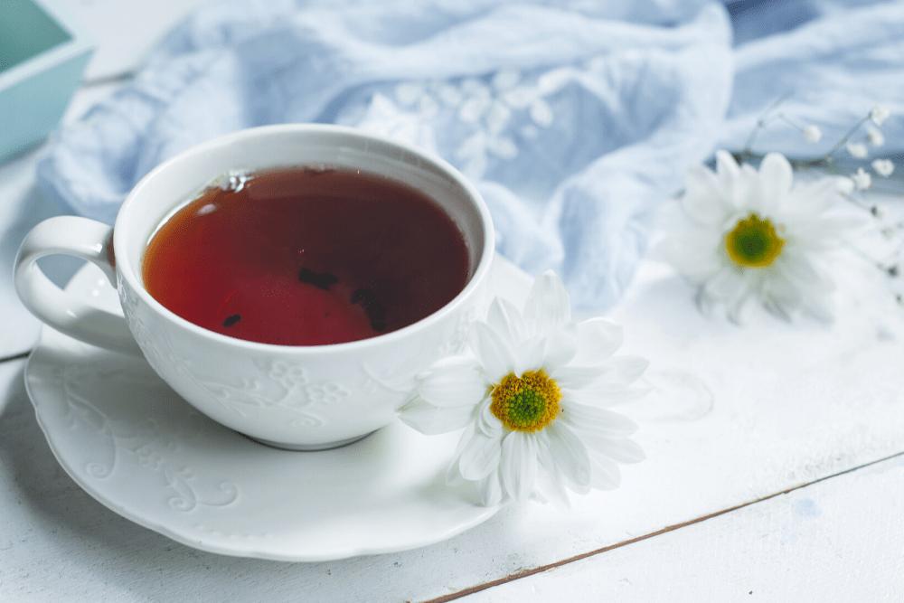 Chás para a menopausa: alcance o bem-estar sem medicamentos