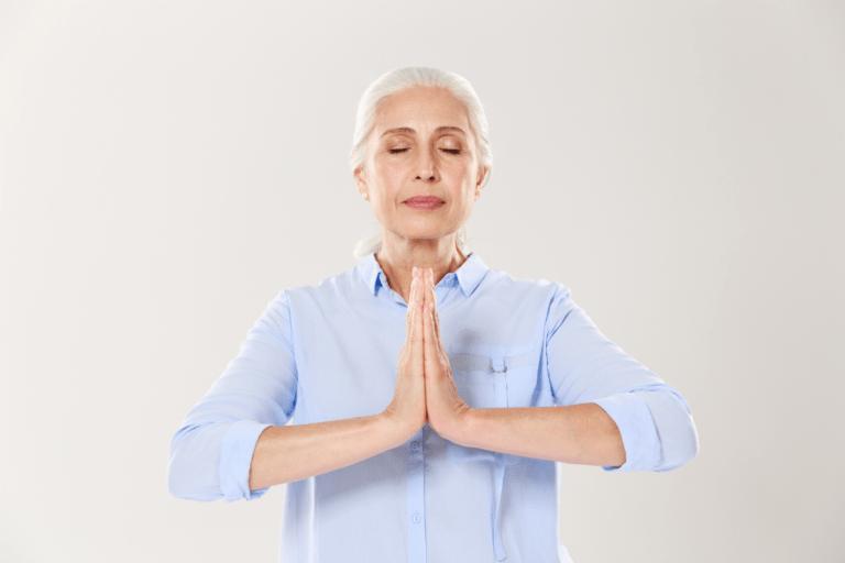 Meditação melhora a consciência de idosos sobre envelhecimento, aponta estudo